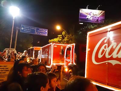Caravana de caminhões coca-cola